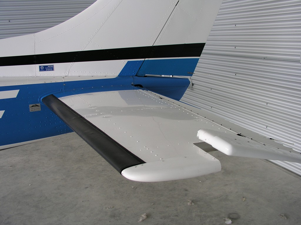 Foxhat Aviation :: Cessna 182P